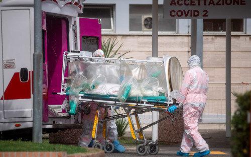 Как богатейшие люди Италии помогают бороться с распространением эпидемии в стране